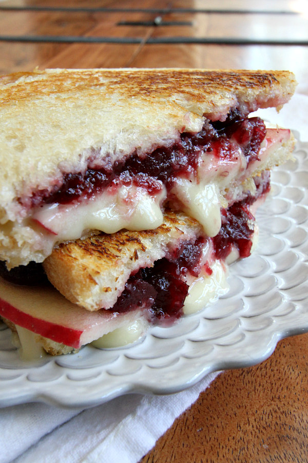 Fall and Winter Grilled Cheese Recipes - Brie, Apple, and Cranberry Grilled Cheese - recipegirl.com | https://www.roseclearfield.com