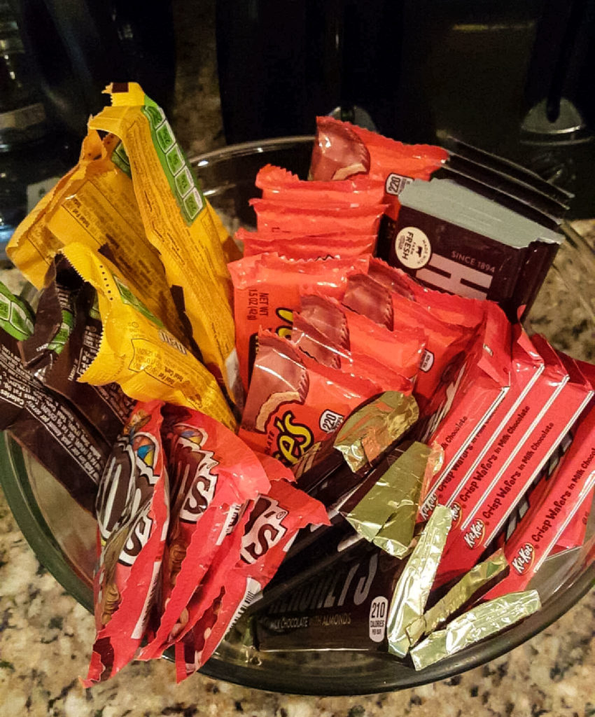 Full Size Candy Bars   https://www.roseclearfield.com