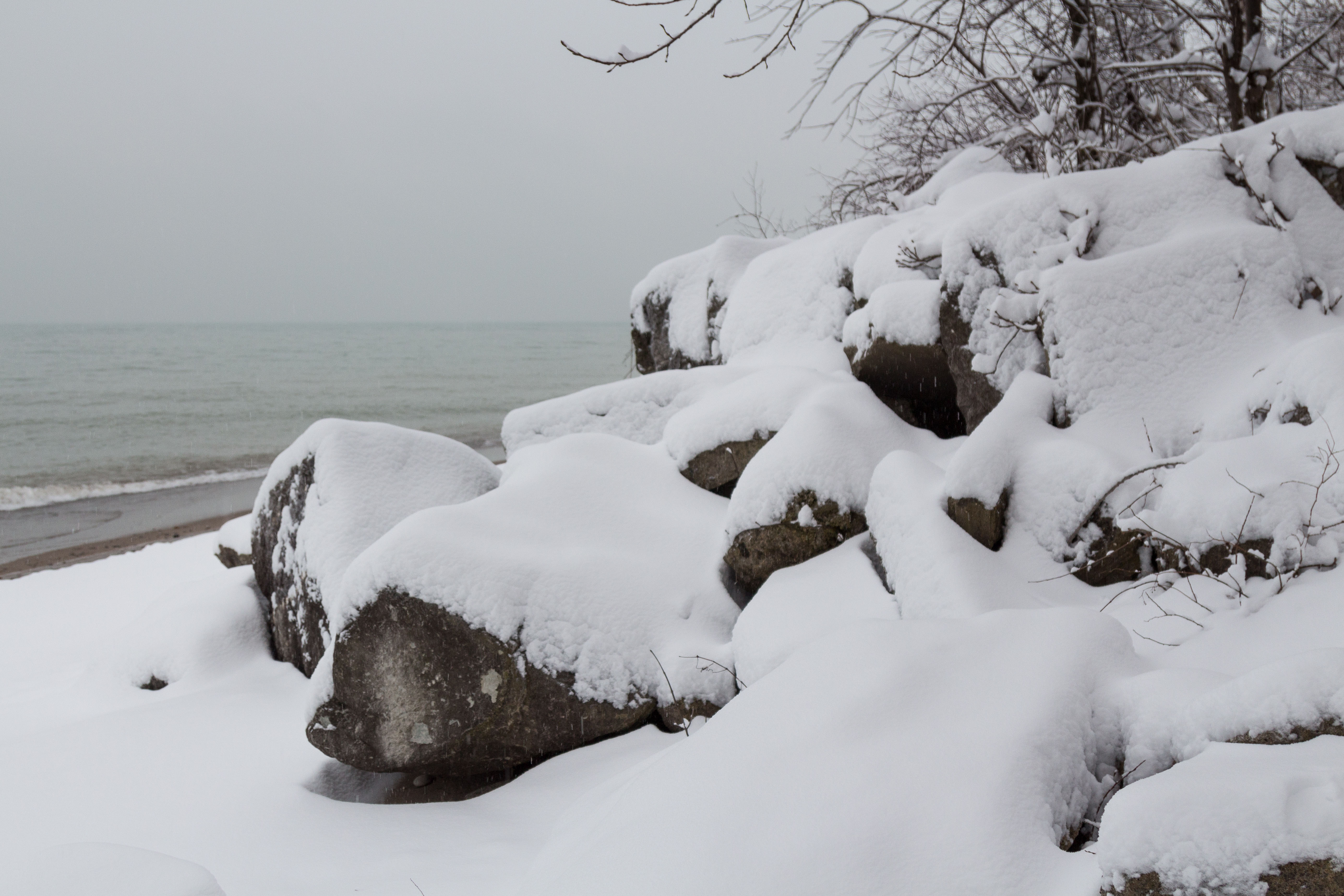 Snowfall on the Lake Michigan Beachfront in Southeast, WI | https://www.roseclearfield.com