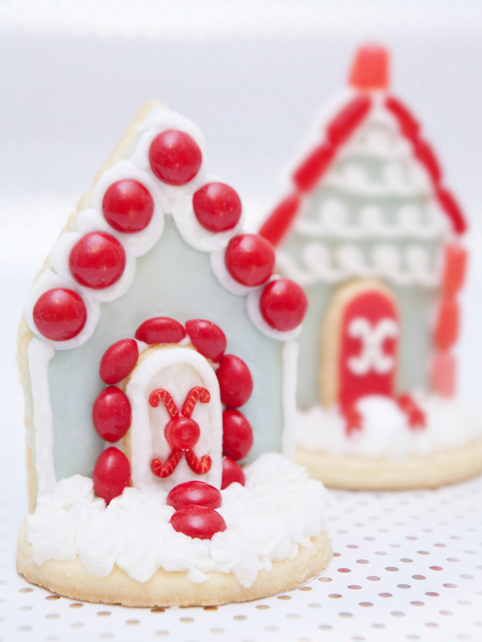 10 Cute Creative Christmas Cookies - Two-Dimensional 2D Sugar Cookie Houses | https://www.roseclearfield.com