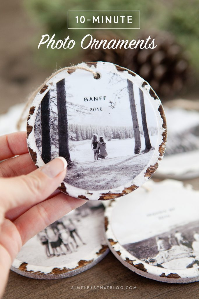 Last-Minute Homemade Christmas Gift Ideas - 10-minute photo keepsake ornaments. | https://www.roseclearfield.com