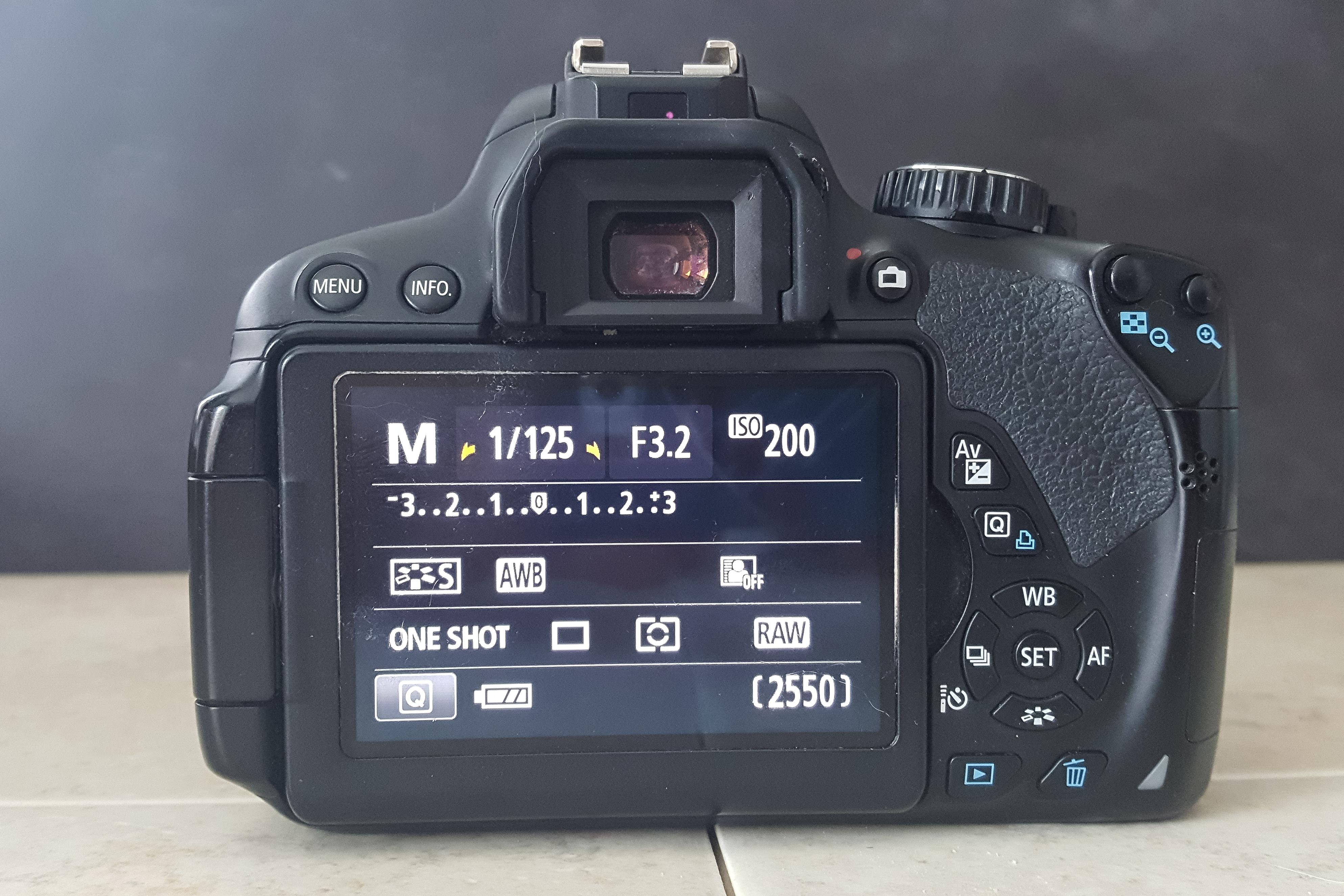 DSLR Manual Camera Mode   https://www.roseclearfield.com