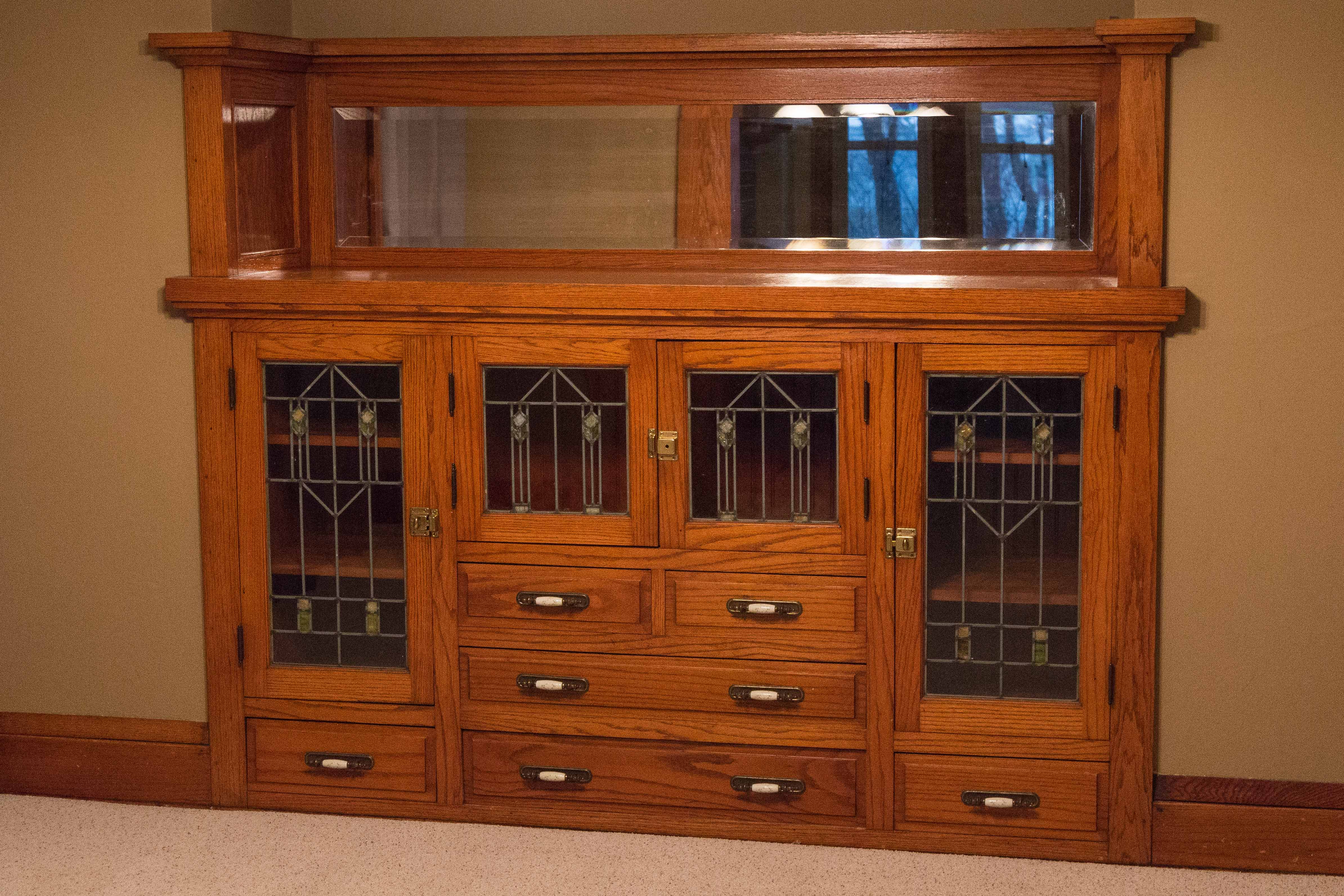 Milwaukee House Built-In China Cabinet | https://www.roseclearfield.com
