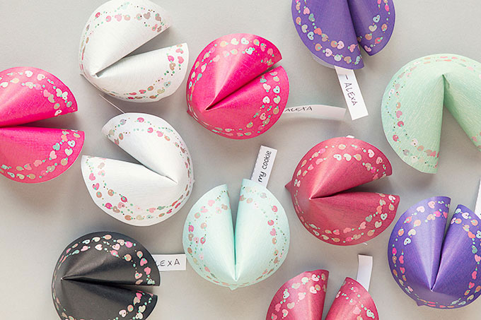 Last-Minute DIY Valentine's Day Gift Ideas - Printable Paper Fortune Cookies via Evermine | https://www.roseclearfield.com