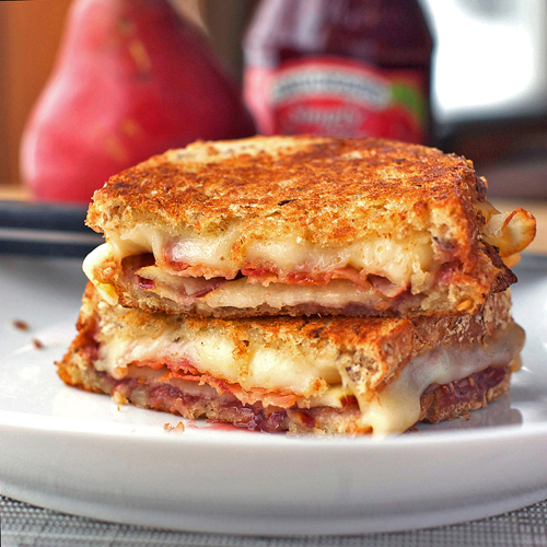 Bacon Pear and Raspberry Grilled Cheese via Pinch of Yum | https://www.roseclearfield.com