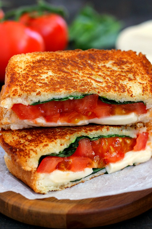 Spring and Summer Grilled Cheese Recipes - Caprese Grilled Cheese via Pumpkin 'n Spice | https://www.roseclearfield.com