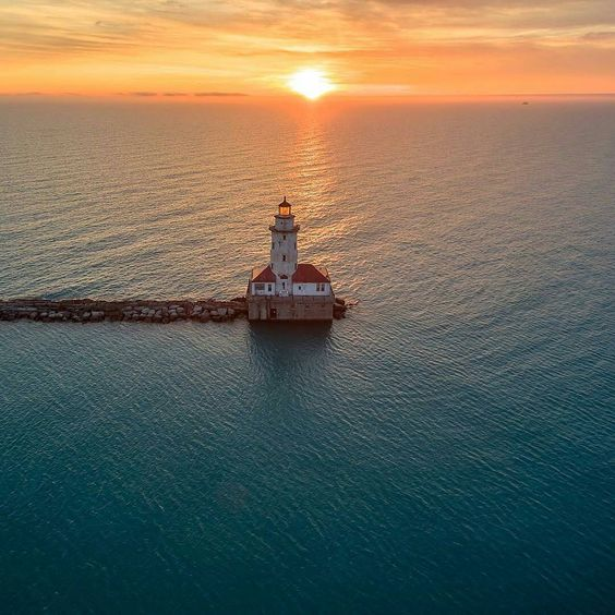 Golden Hour Over Lake Michigan by razdood on Instagram | https://www.roseclearfield.com