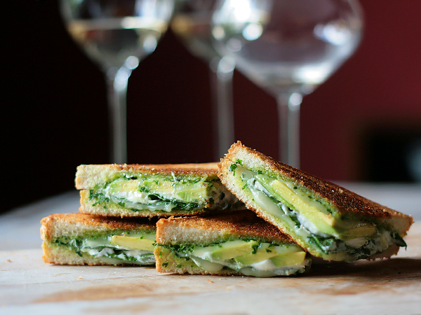 Green Goddess Grilled Cheese via Tastespotting | https://www.roseclearfield.com