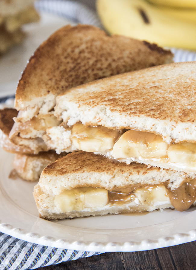 Dessert Grilled Cheese Recipes - Bananas Foster Melt via Like Mother Like Daughter   https://www.roseclearfield.com