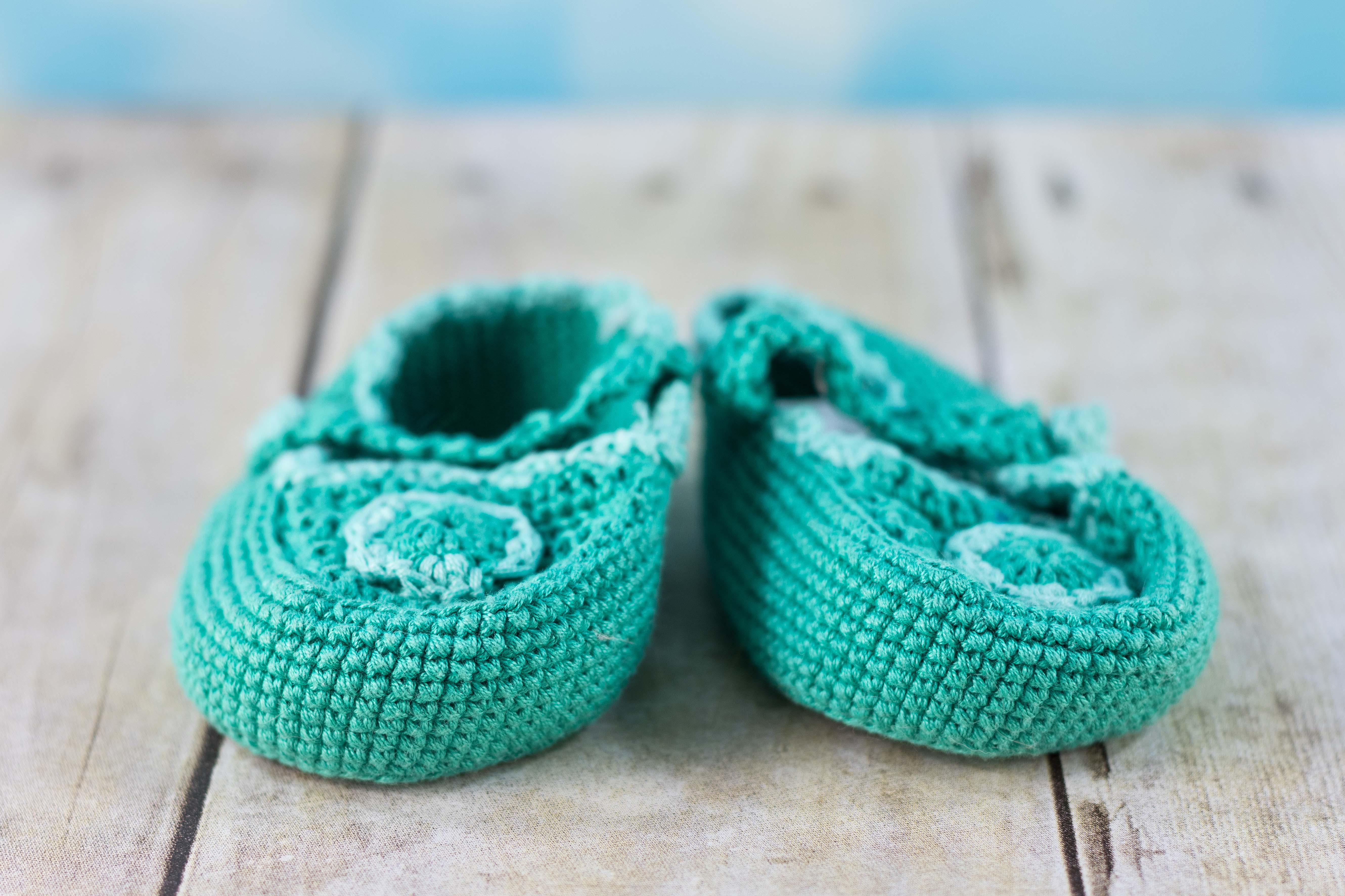 Crocheted Baby Shoes | https://www.roseclearfield.com