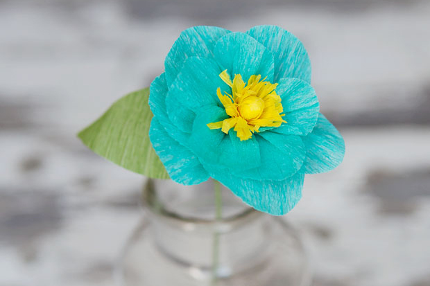 Last Minute DIY Mother's Day Gift Ideas - Crepe Paper Flowers via The Art of Simple | https://www.roseclearfield.com