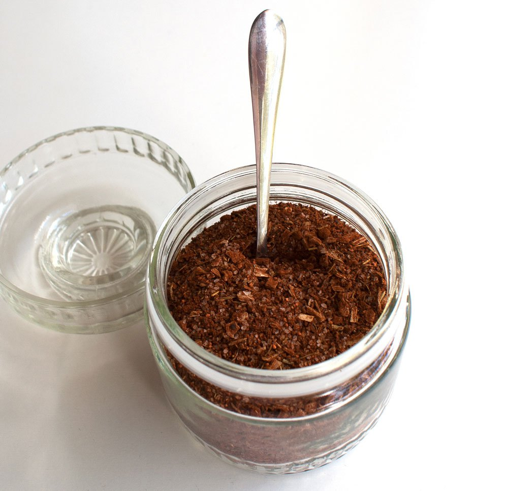 Last Minute DIY Father's Day Gift Ideas - Best Ever Steak Rub via Sprinkles and Sprouts | https://www.roseclearfield.com
