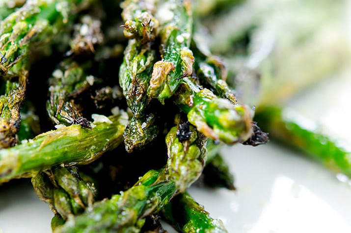 Fourth of July Recipe Ideas - Grilled Asparagus via I'd Rather Be a Chef | https://www.roseclearfield.com