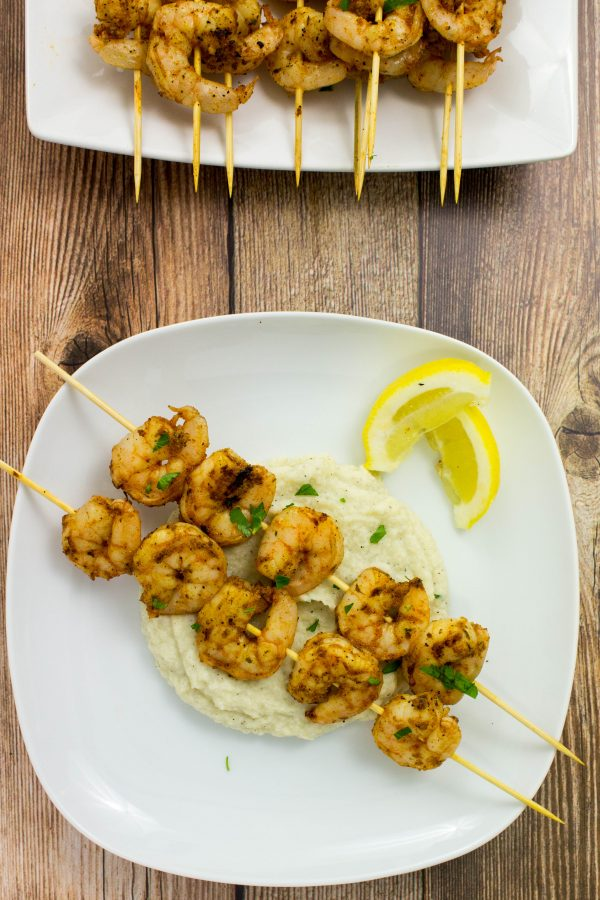 30 Days of Healthy Grilling Recipes - Grilled Blackened Shrimp Skewers via Bites of Flavor | https://www.roseclearfield.com
