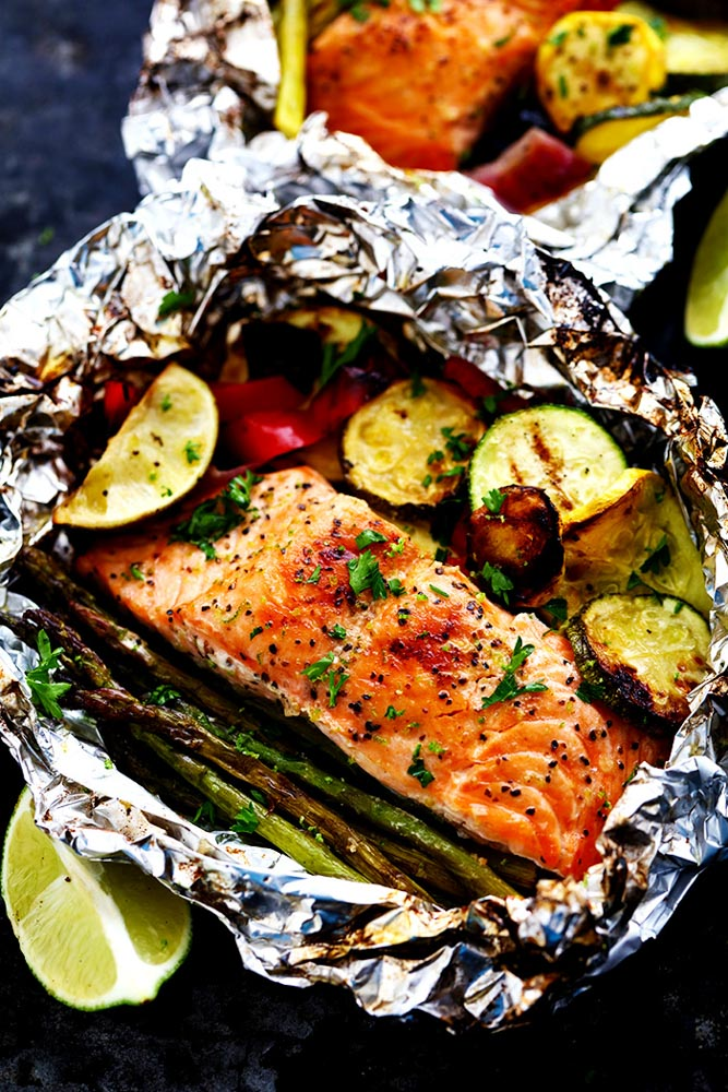 30 Days of Healthy Grilling Recipes - Grilled Lime Butter Salmon in Foil with Summer Veggies via The Recipe Critic   https://www.roseclearfield.com