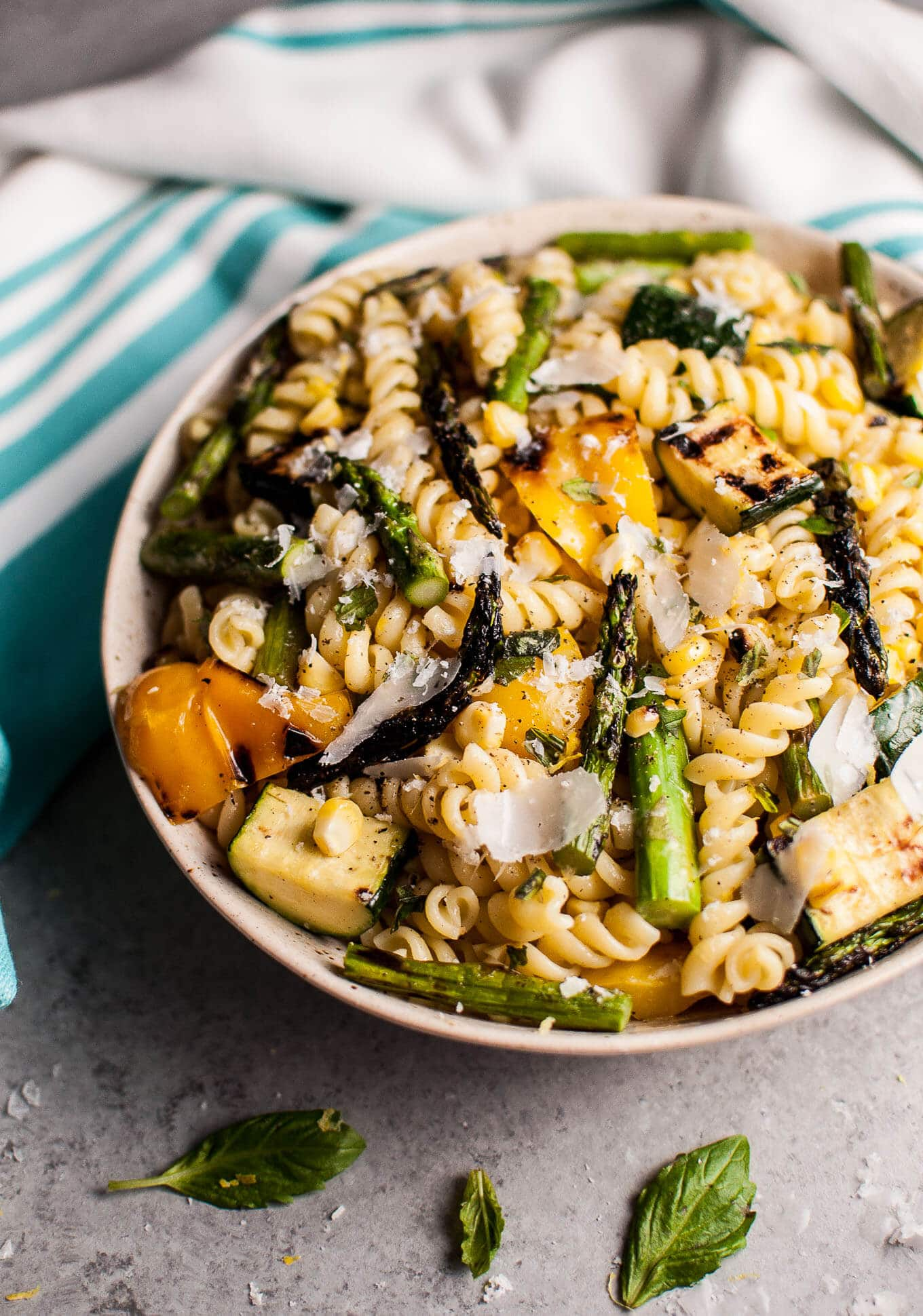 30 Days of Healthy Grilling Recipes - Grilled Summer Vegetable Pasta Salad via Salt and Lavender | https://www.roseclearfield.com