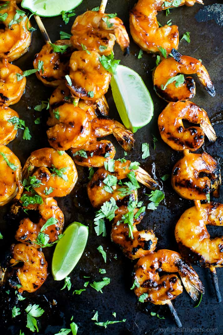 30 Days of Healthy Grilling Recipes - Honey Sriracha Grilled Shrimp via Joyful Healthy Eats | https://www.roseclearfield.com