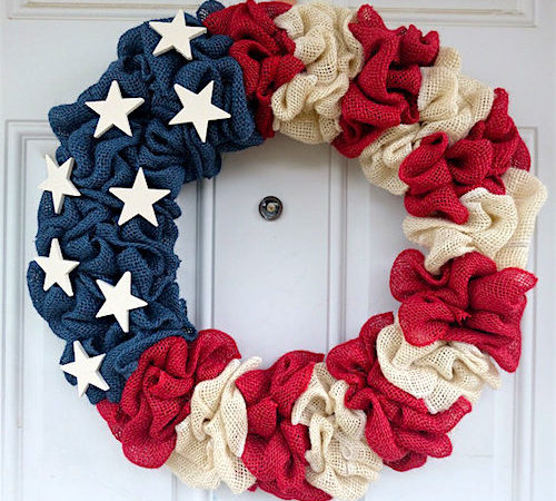 Easy DIY Fourth of July Decorations - Patriotic Burlap Wreath via How to Make a Burlap Wreath | https://www.roseclearfield.com