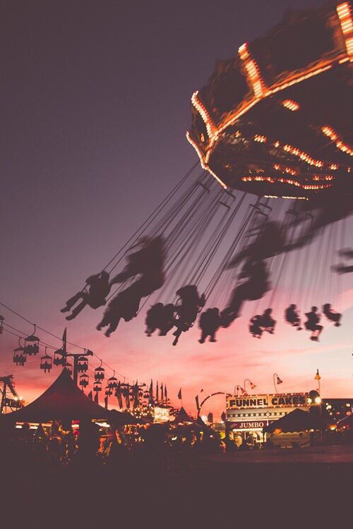 Photography Inspiration - Summer Night at the Fair Source Unknown | https://www.roseclearfield.com