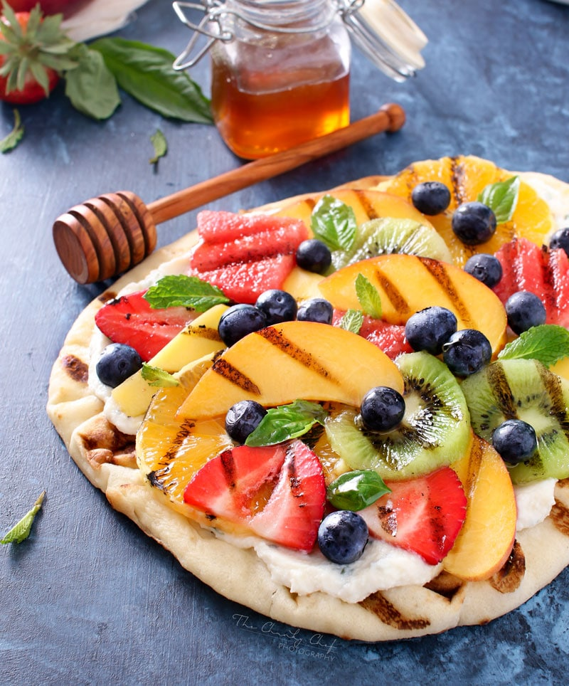 30 Days of Grilled Desserts - Grilled Fruit Pizza with Honey Herbed Ricotta via The Chunky Chef | https://www.roseclearfield.com