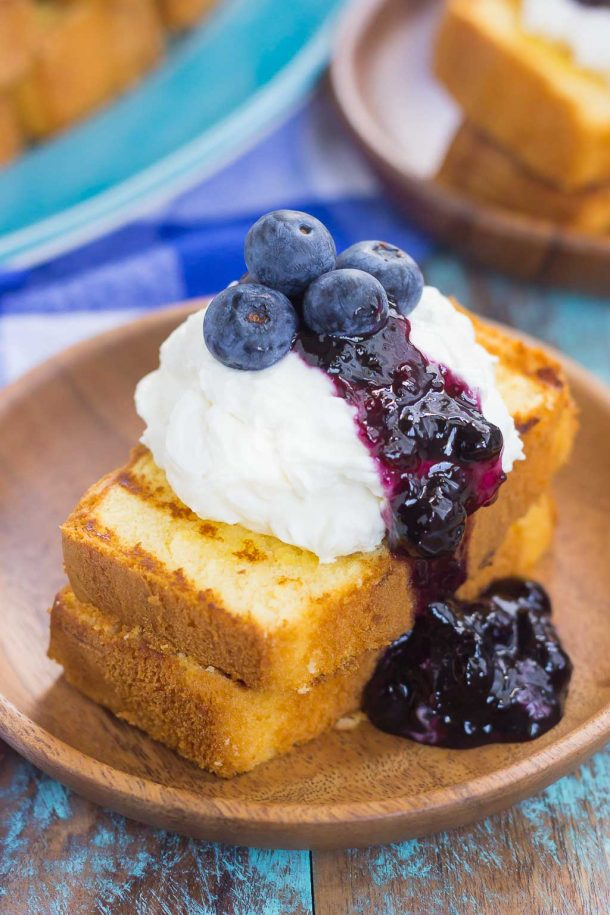 30 Days of Grilled Desserts - Grilled Pound Cake with Mascarpone Cream and Blueberries via Pumpkin 'n Spice | https://www.roseclearfield.com