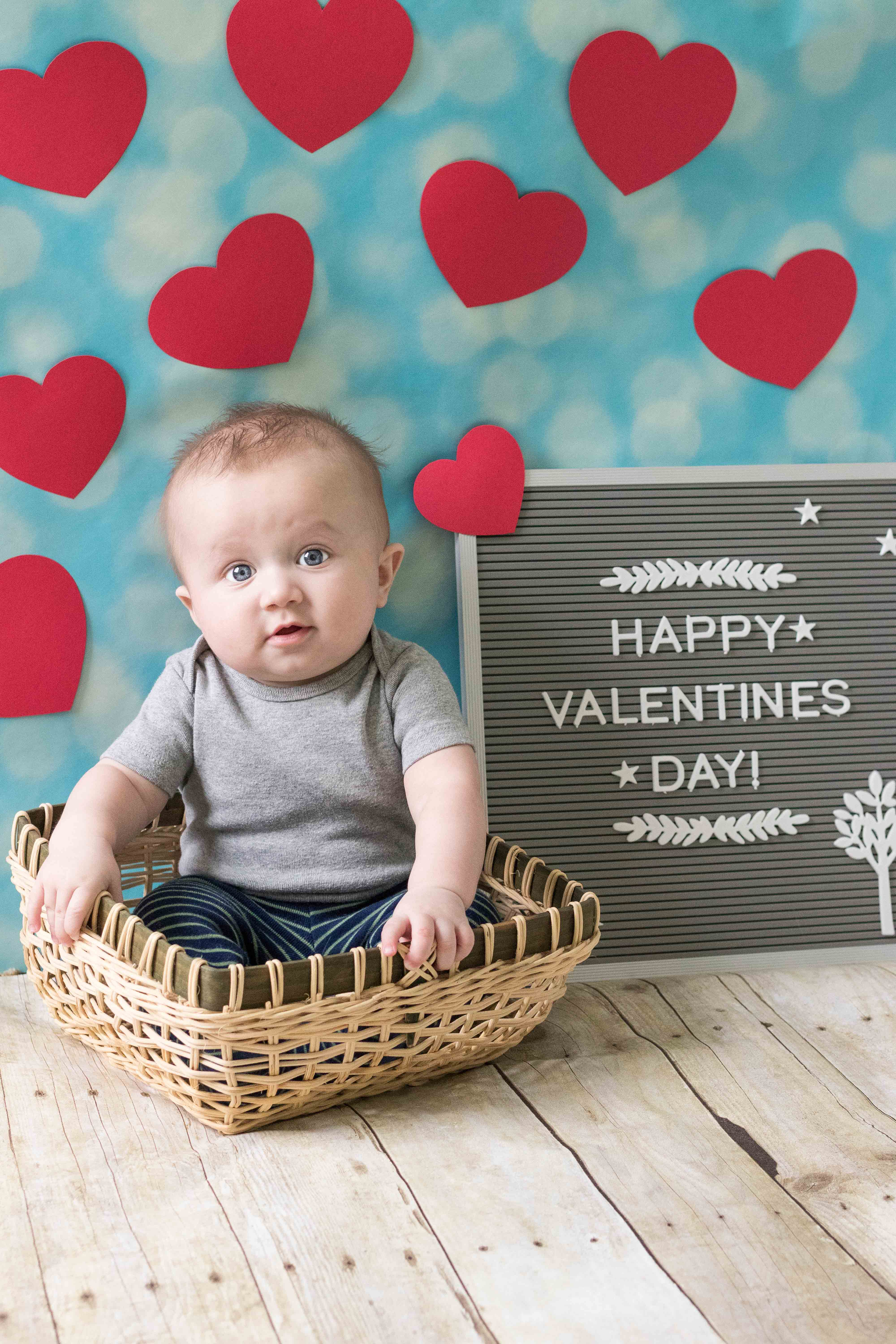 Valentine's Day Baby Photo Idea   https://www.roseclearfield.com