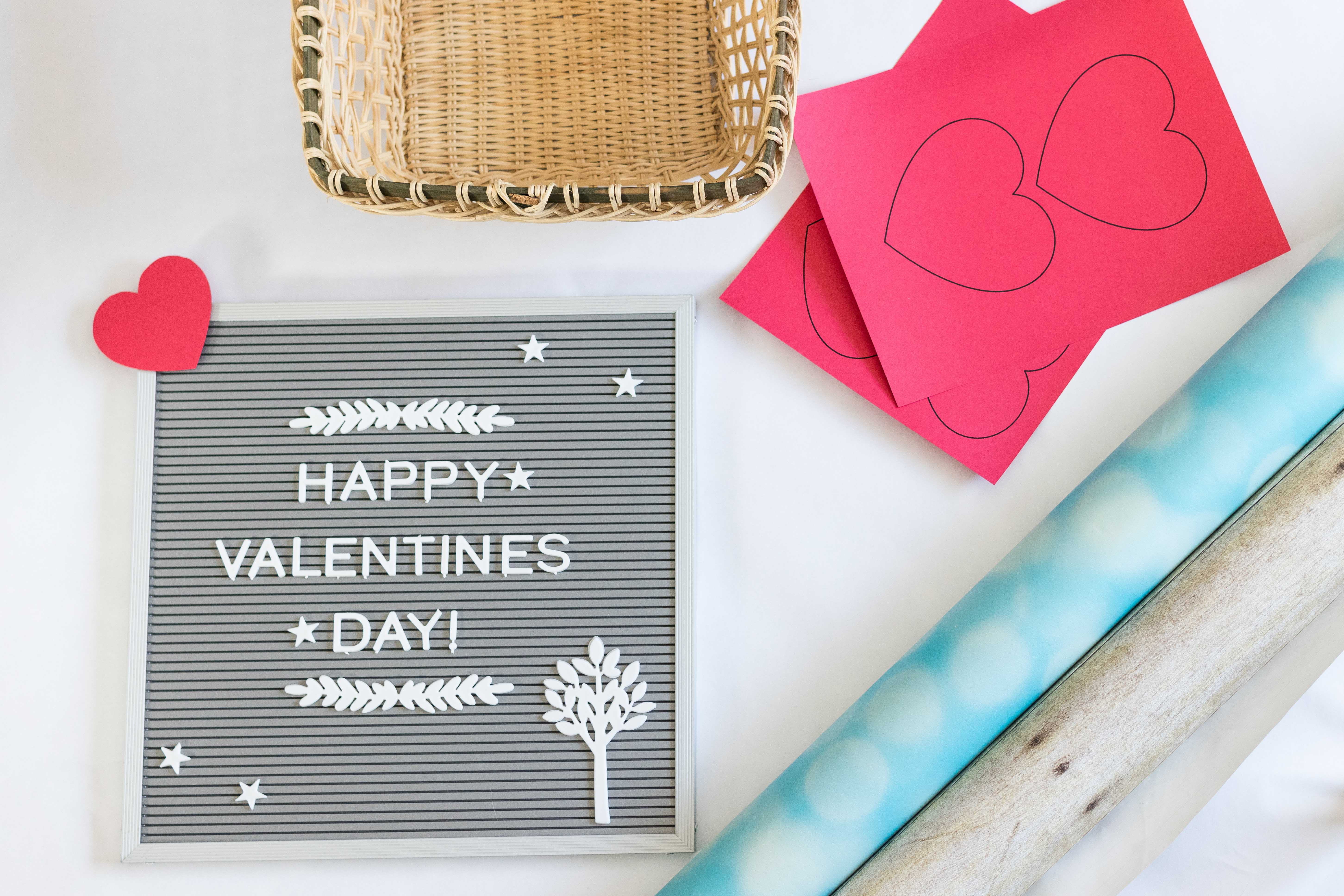 Valentine's Day Baby Photo Idea Materials | https://www.roseclearfield.com