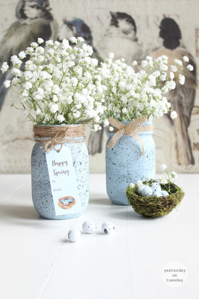 Spring Mason Jar Decor - Speckled Robin's Egg Mason Jar via Yesterday on Tuesday | https://www.roseclearfield.com