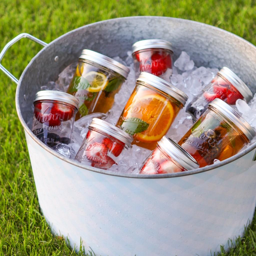 Summertime Sun Tea via Thirsty for Tea | https://www.roseclearfield.com