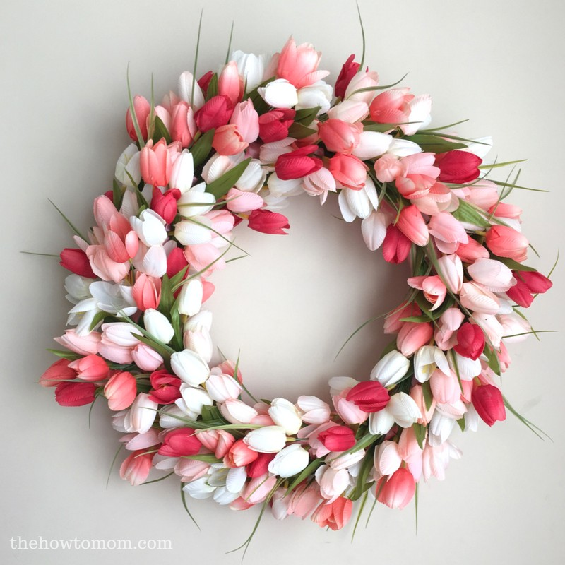 Tulip Wreath via The How to Mom | https://www.roseclearfield.com