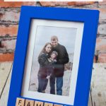 DIY Scrabble Tile Picture Frame. Easy home decor project! #DIY #scrabbletiles #homedecor #pictureframe
