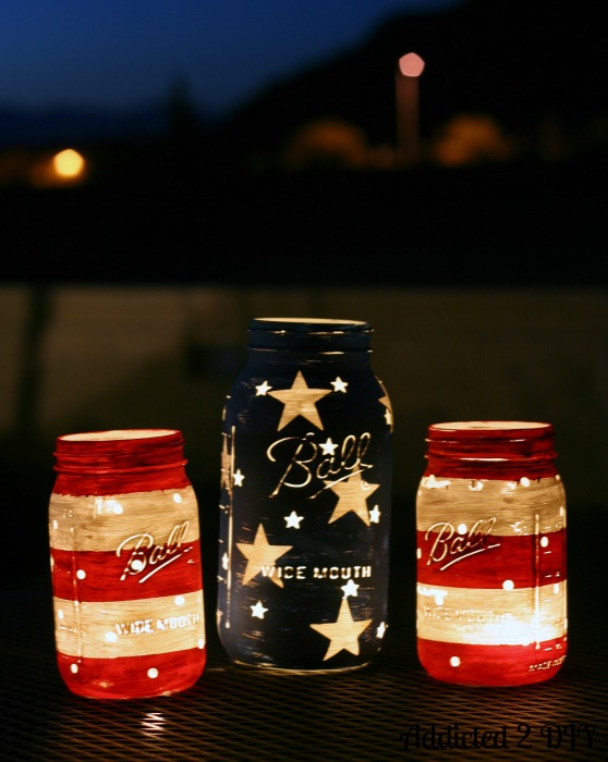 4th of July Mason Jar Decor - Patriotic Mason Jar Lanterns via Addicted 2 DIY | https://www.roseclearfield.com