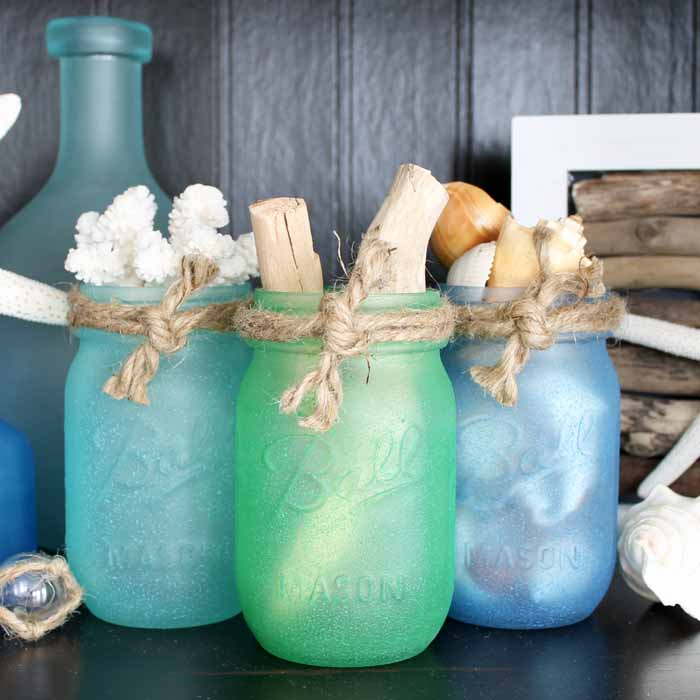 Summer Mason Jar Decor - Sea Glass Painted Mason Jars via The Country Chic Cottage | https://www.roseclearfield.com