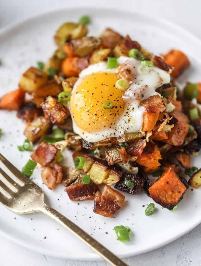 Breakfast for Dinner Ideas - Sweet Potato Sheet Pan Breakfast Hash via How Sweet Eats | https://www.roseclearfield.com