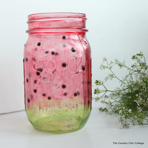 Summer Mason Jar Decor - Watermelon Mason Jar via The Country Chic Cottage | https://www.roseclearfield.com