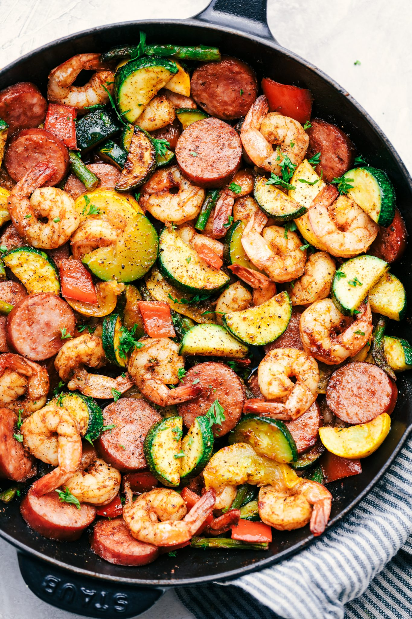 Back to School Healthy Lunches for Adults - Cajun Shrimp and Sausage Vegetable Skillet via The Recipe Critic | https://www.roseclearfield.com