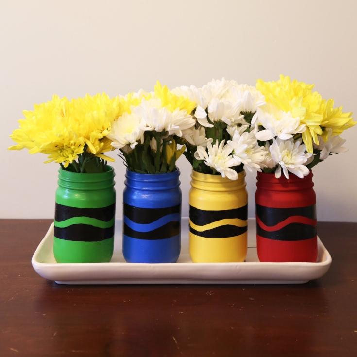 DIY Back to School Mason Jar Teacher Gifts - Painted Crayon Mason Jars via Weekend Craft | https://www.roseclearfield.com