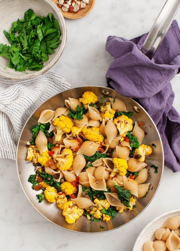 Back to School Healthy Lunches for Adults - Shells and Roasted Cauliflower via Love and Lemons | https://www.roseclearfield.com