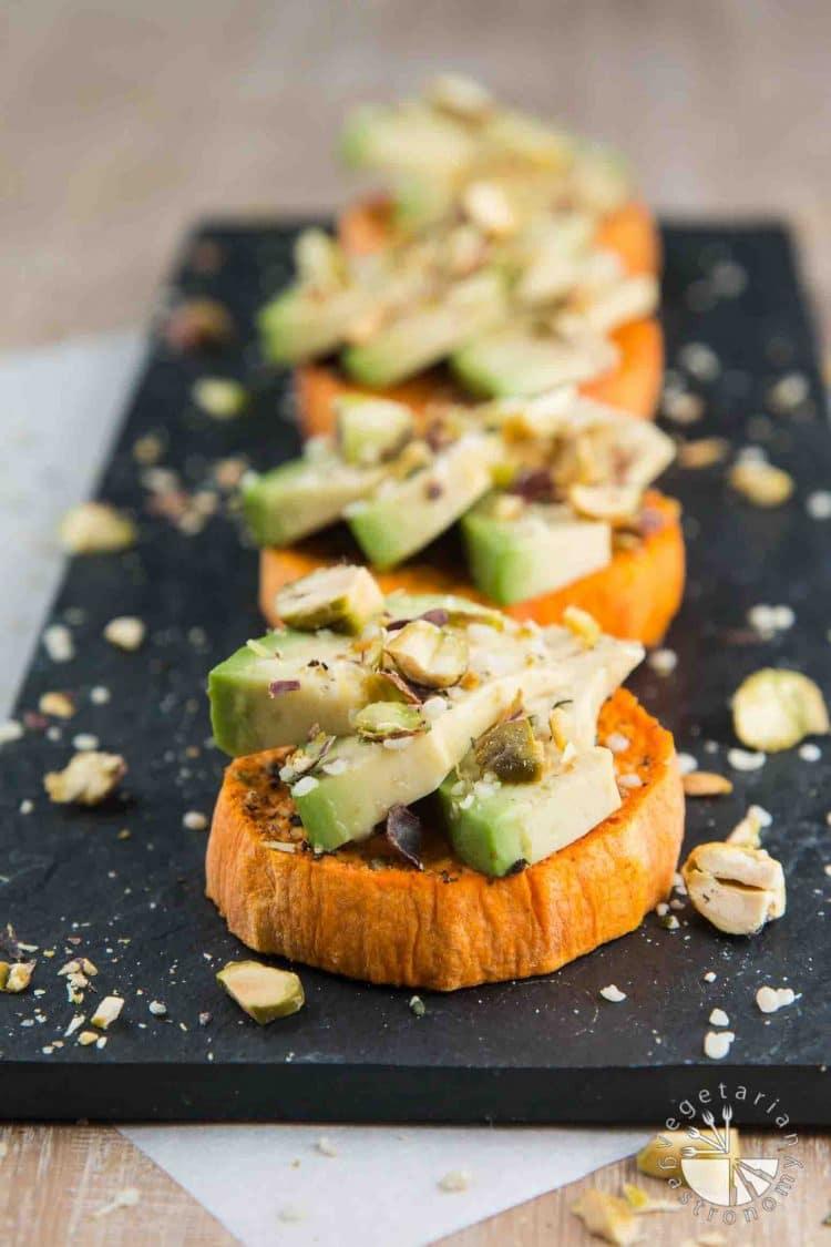 Fall and Winter Avocado Toast Recipes - Sweet Potato Avocado Toast with Hemp Seeds and Pistachios via Vegetarian Gastronomy   https://www.roseclearfield.com
