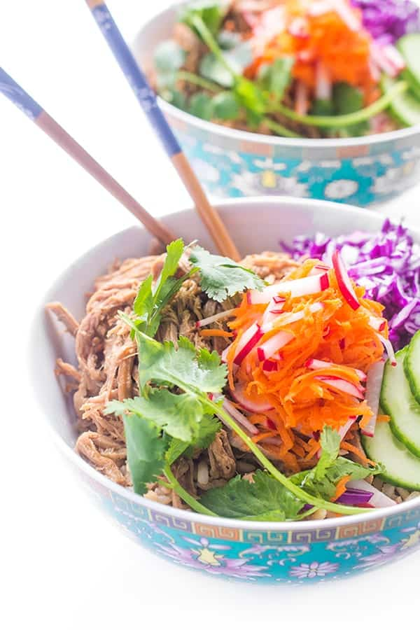 30 Days of Healthy Slow Cooker Dinner Recipes - Slow Cooker Banh Mi Rice Bowls via The Lemon Bowl | https://www.roseclearfield.com