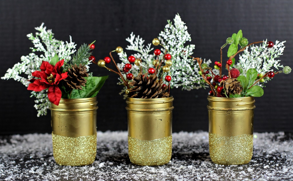DIY Christmas Mason Jar Decor - Gold Glittered Mason Jar Vases via Classy Clutter | https://www.roseclearfield.com