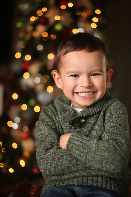 20 Creative Holiday Photo Ideas - How to Take Photos of Your Kids in Front of the Christmas Tree via Becky Thompson | https://www.roseclearfield.com