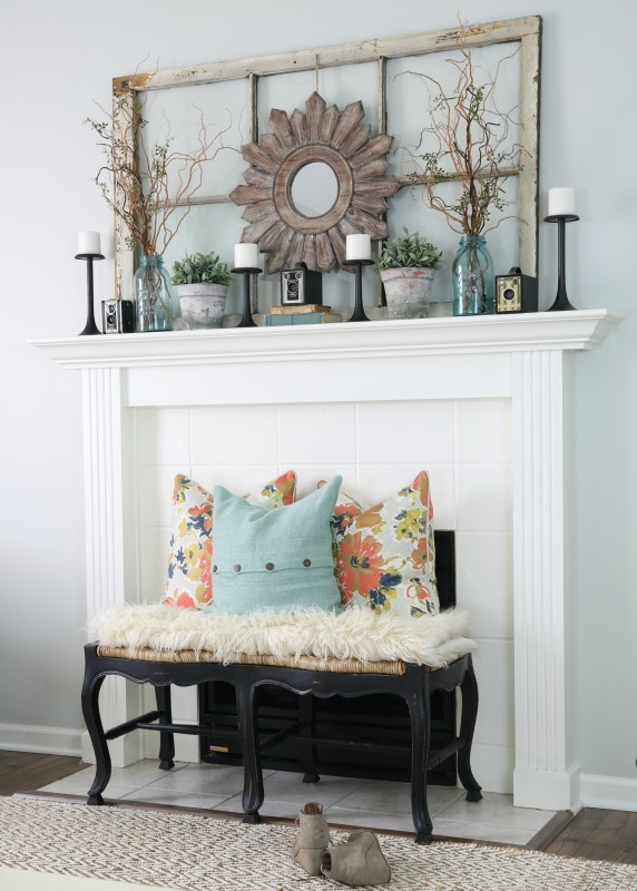 Spring Mantel Inspiration - Spring Home Tour via House By Hoff | https://www.roseclearfield.com