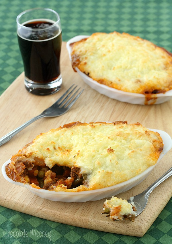 30 Healthy Dinner Recipes for Two - Guinness Shepherd's Pie For Two via Chocolate Moosey | https://www.roseclearfield.com