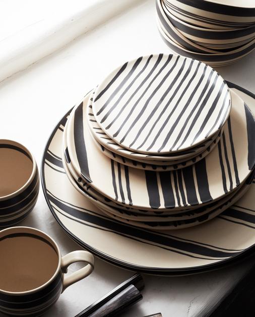 Stripes Inspiration - Wythe Striped Dinner Plate via Ralph Lauren | https://www.roseclearfield.com