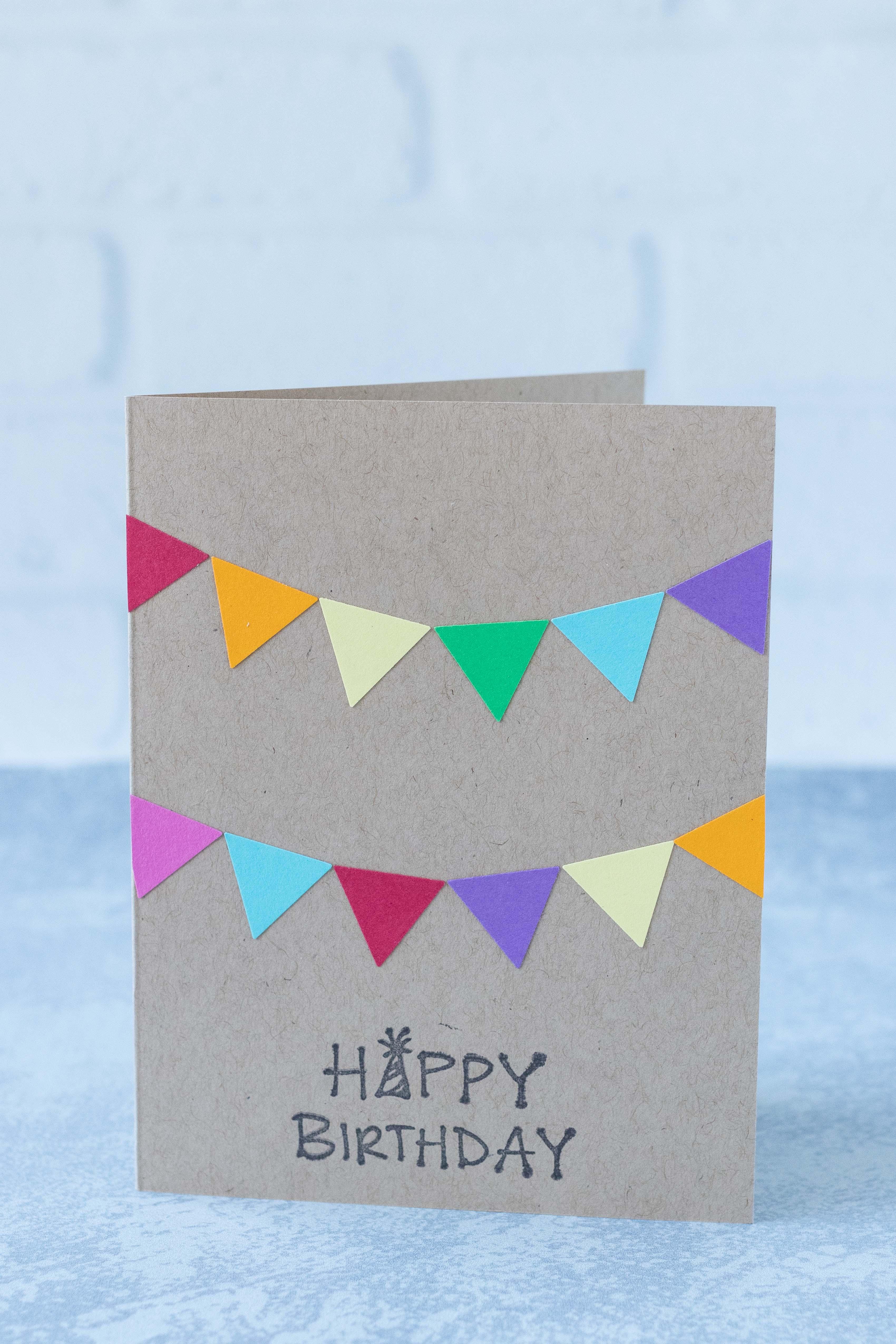 Multicolored bunting happy birthday DIY greeting card. #handmadecard #birthdaycardidea #colorfulbunting | https://www.roseclearfield.com