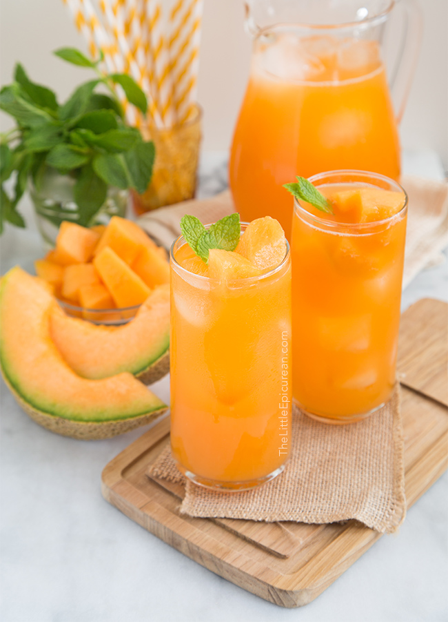 Non-alcoholic drinks for Easter: cantalope agua fresca is a refreshing, fruity beverage, perfect for spring or summer, via The Little Epicurean. #aguafresca #nonalcoholic #Easterdrinks | https://www.roseclearfield.com