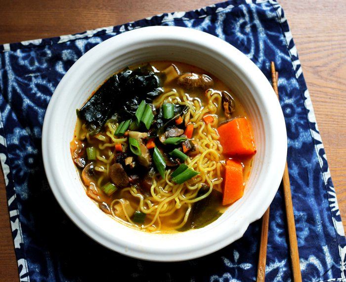 30 Healthy Ramen Noodle Recipes - Korean Ramen Noodle Soup via Peaceful Dumpling | https://www.roseclearfield.com