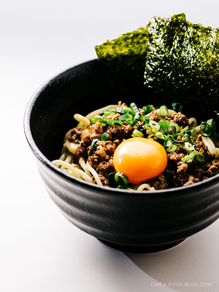 30 Healthy Ramen Noodle Recipes - Loco Moco Mazeman Ramen via I am a Food Blog | https://www.roseclearfield.com