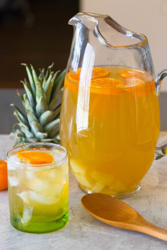 Non-alcoholic drinks for Easter: add pineapple and orange to green tea for a fun flavor twist, via Slim Pickin's Kitchen | https://www.roseclearfield.com